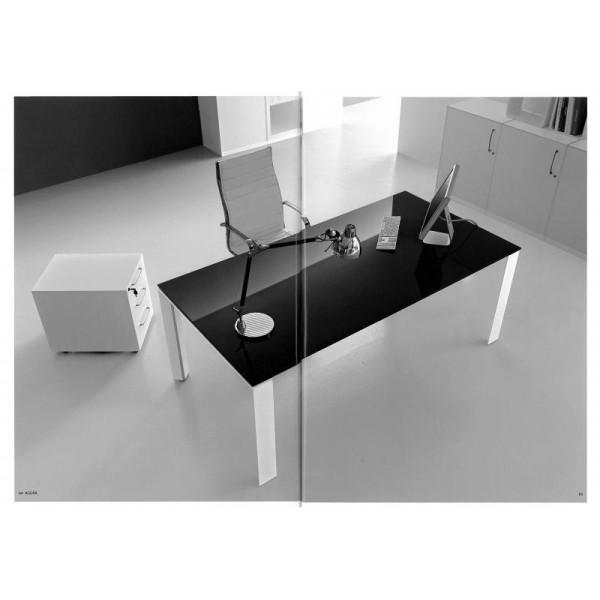 Scrivania con piano in vetro viro design for Scrivania vetro ufficio